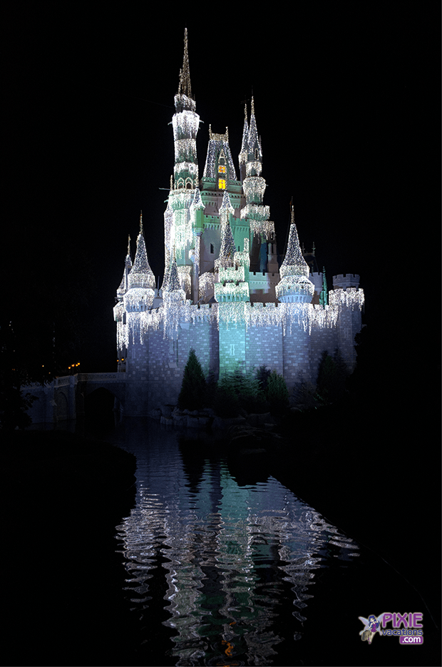 Christmas is almost here and we wanted to give you our top holiday tips just in time for your Walt Disney World Vacation.