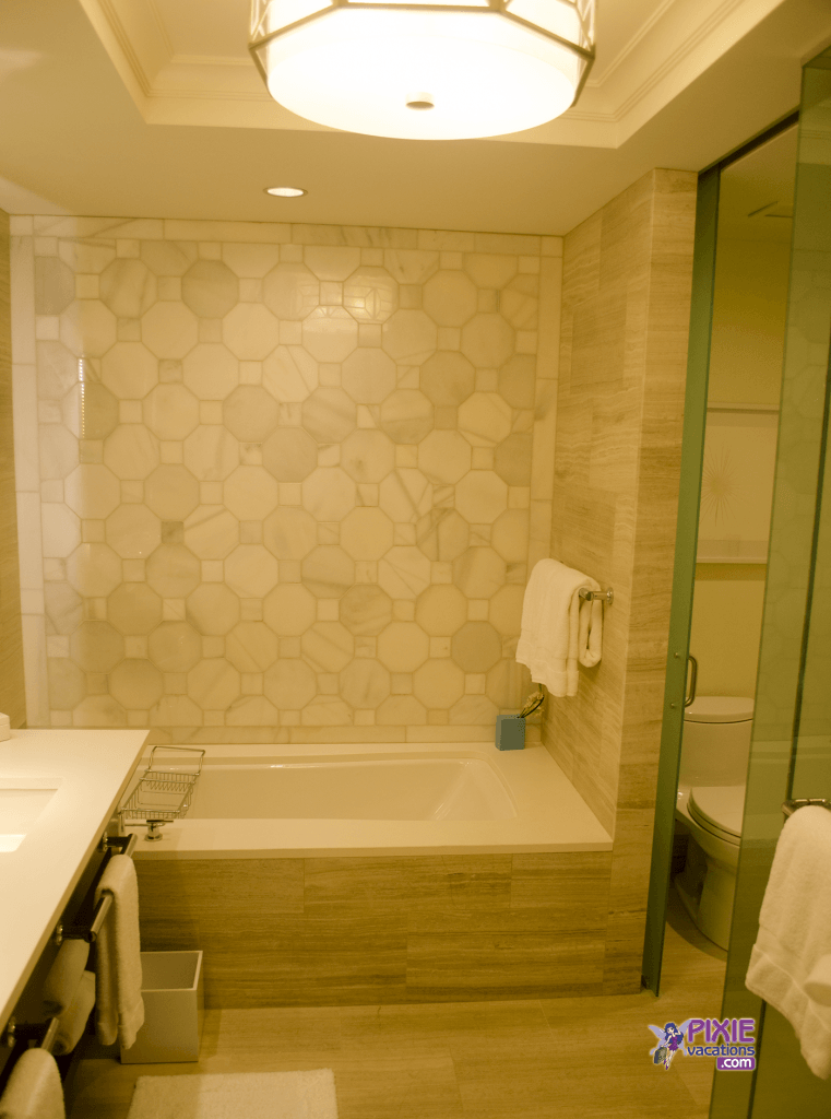 four-seasons-resort-orlando-bathroom