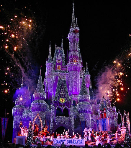 Disney Worlds Christmas Party - start the holidays early #disneyworldchristmas #wdw #disneyxmasparty