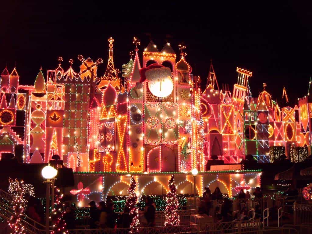 Disneyland for the Holidays with Paul from a Window to the Magic