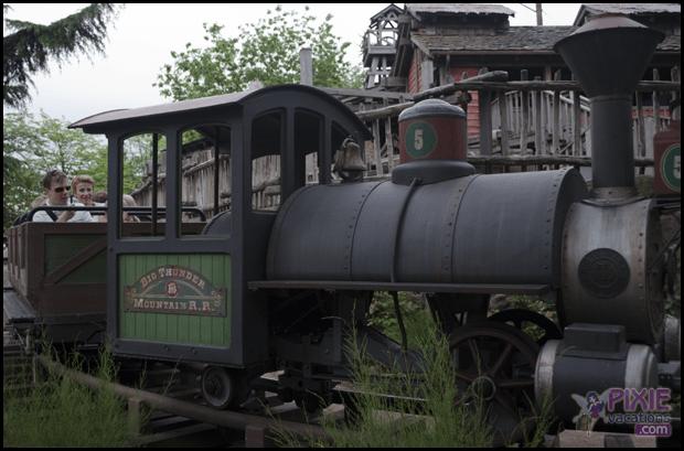thunder mountain train disney