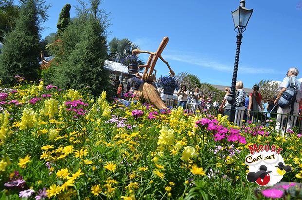 mouse-chat-disney-world-garden-festival5