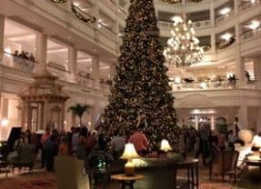 Merry Christmas from Mouse Chat – Let's avoid some crowds at WDW