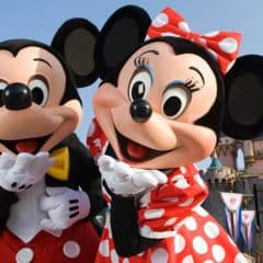 Romance at Disney – Celebrate Valentines Day at Disney World & Disneyland